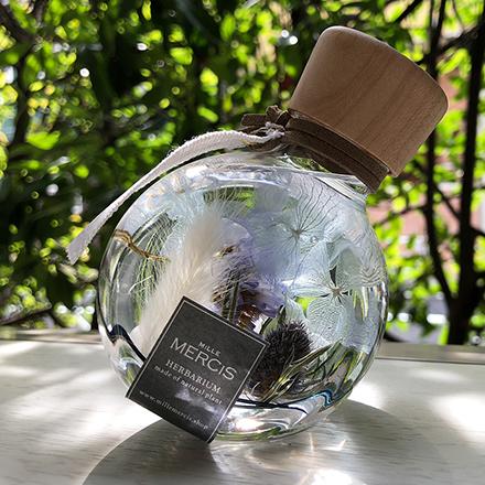 (MiLLE MERCiS)ミルメルシー【パワーストーン+ハーバリウム】『YURAGI 〜ゆらぎ〜』エリンジウム・ムーンストーンボトル